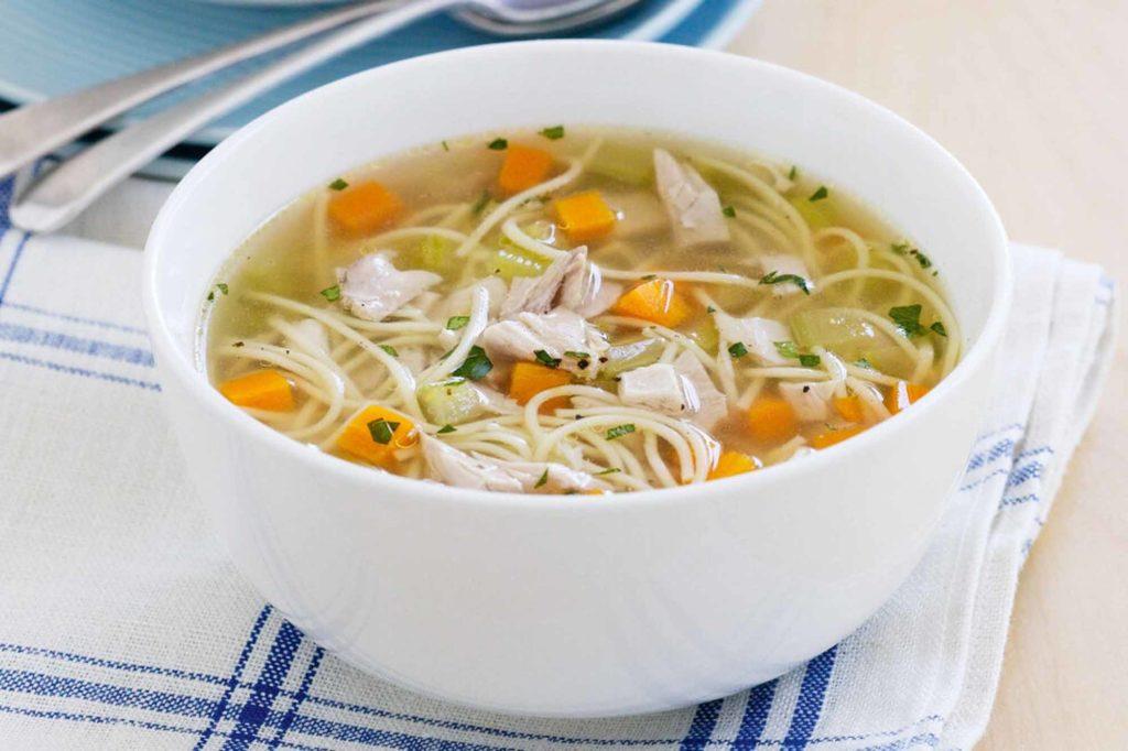 Куриный суп - отличный диетический продукт
